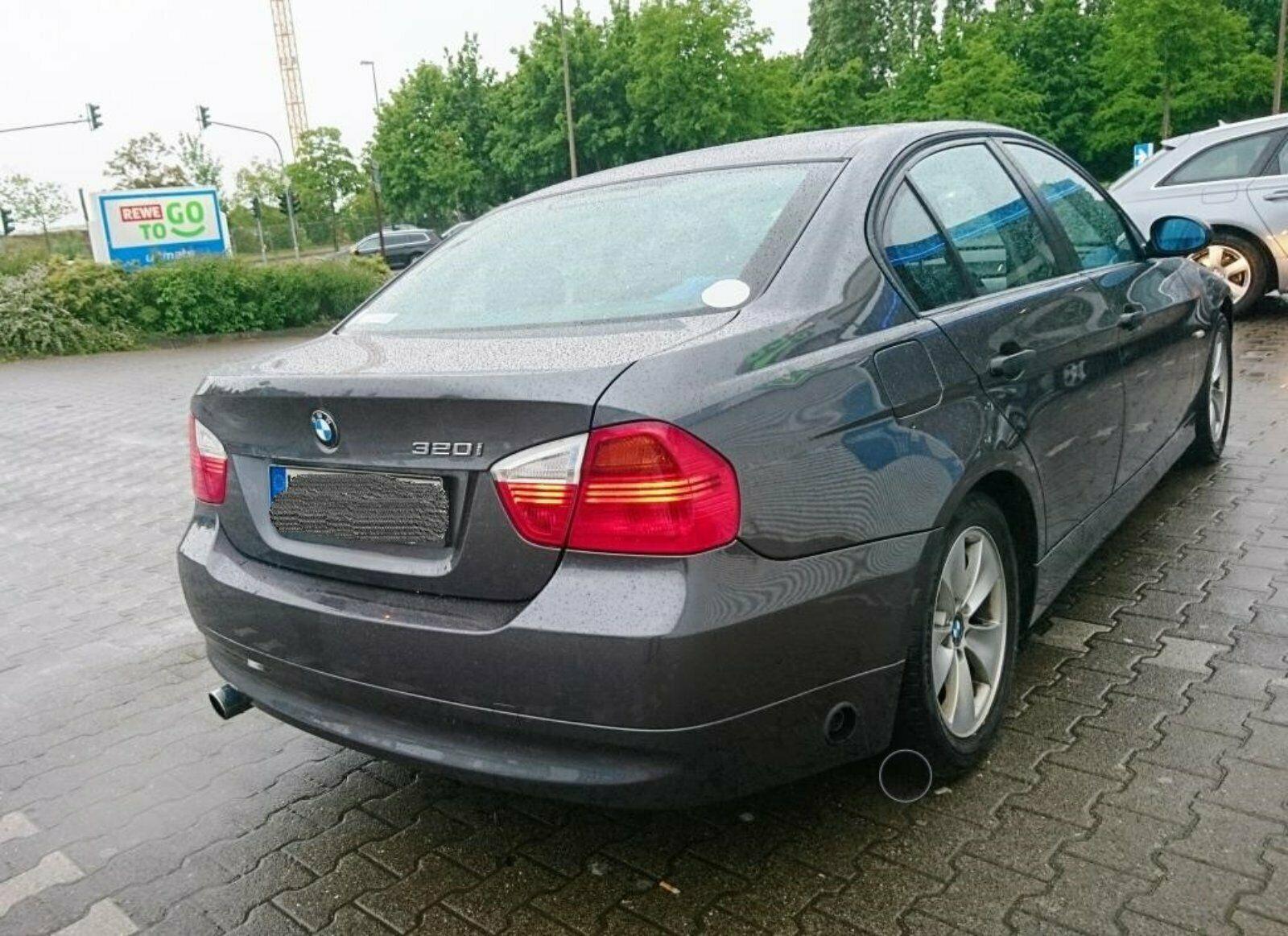 BMW320LPG11.JPG