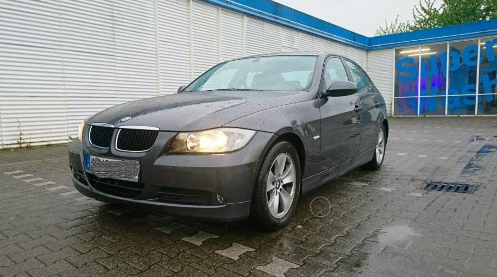 BMW320LPG2.JPG