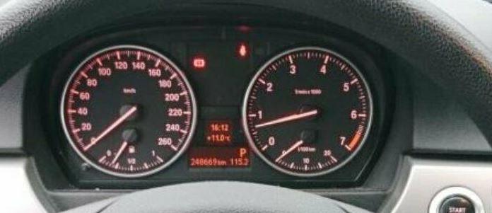 BMW320LPG45.JPG