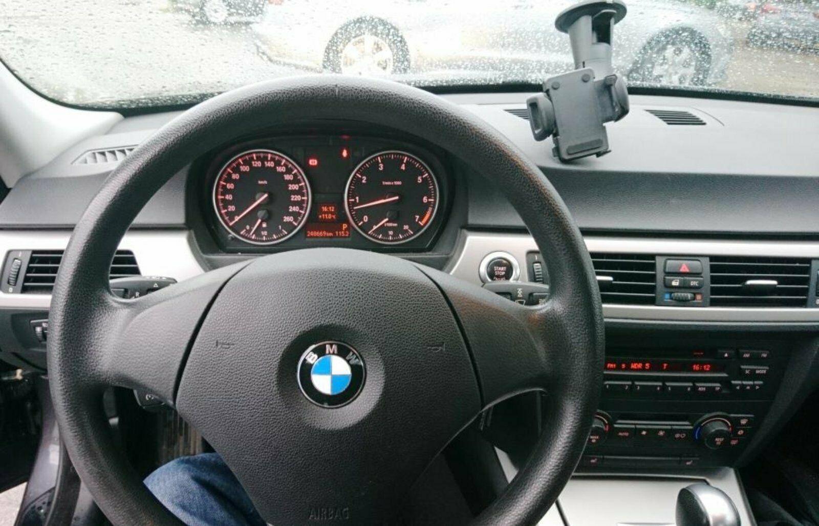 BMW320LPG45a.JPG