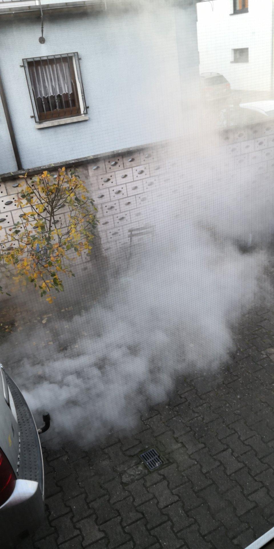 Rauch 10 sekudnen nach dem Starten (1).jpg